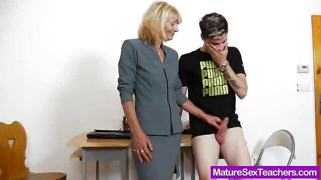 Hottie Marcus Mora suka Summer Saunders big ass dan tits gay hot bokep